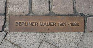 1280px-berliner_mauer_gedenkmarkierung